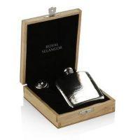 Hip Flask In Blonde Wooden Box